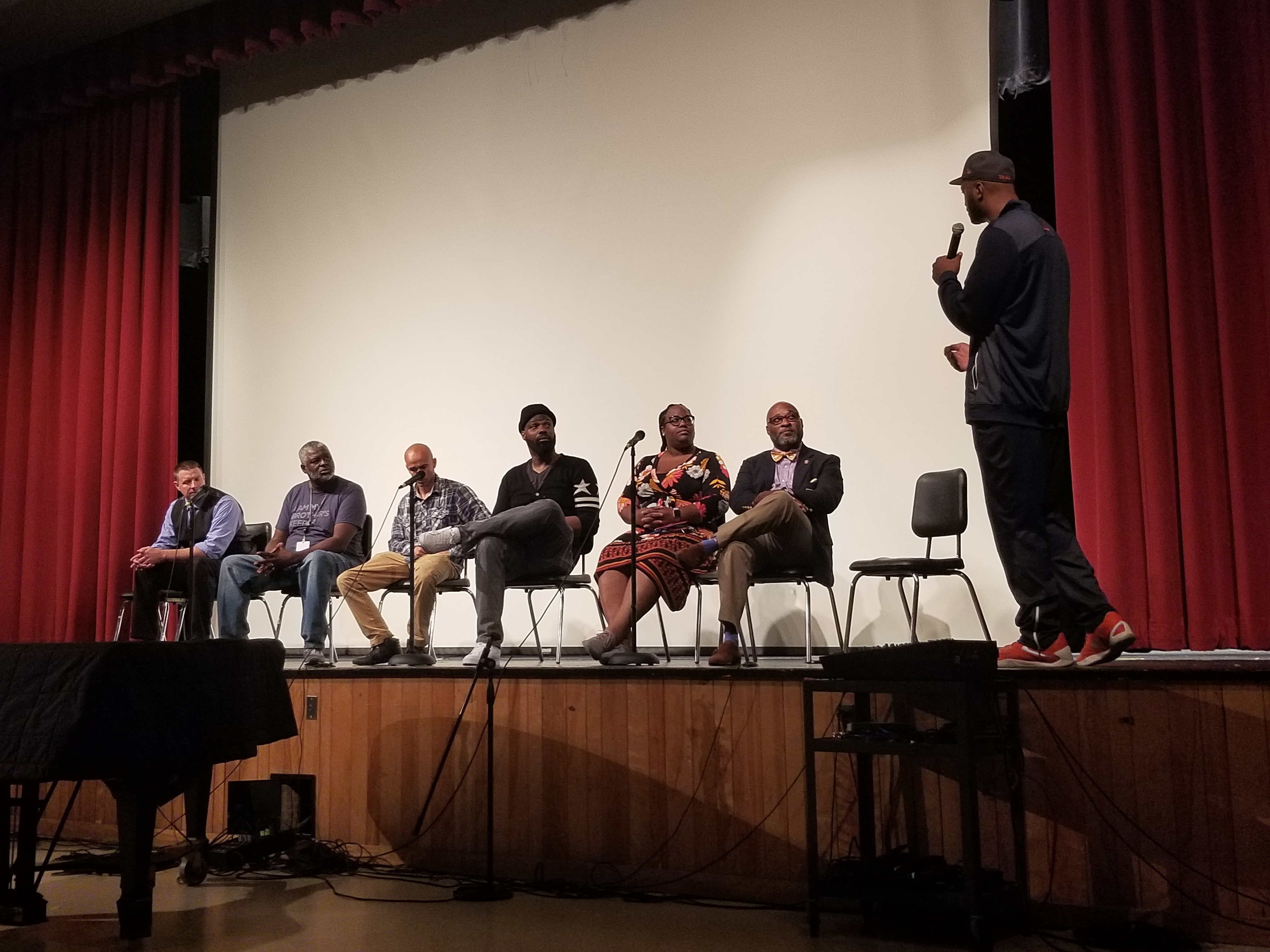 John Wallace facilitating the school-to-prison pipeline panel at the Annual MBK Convening.
