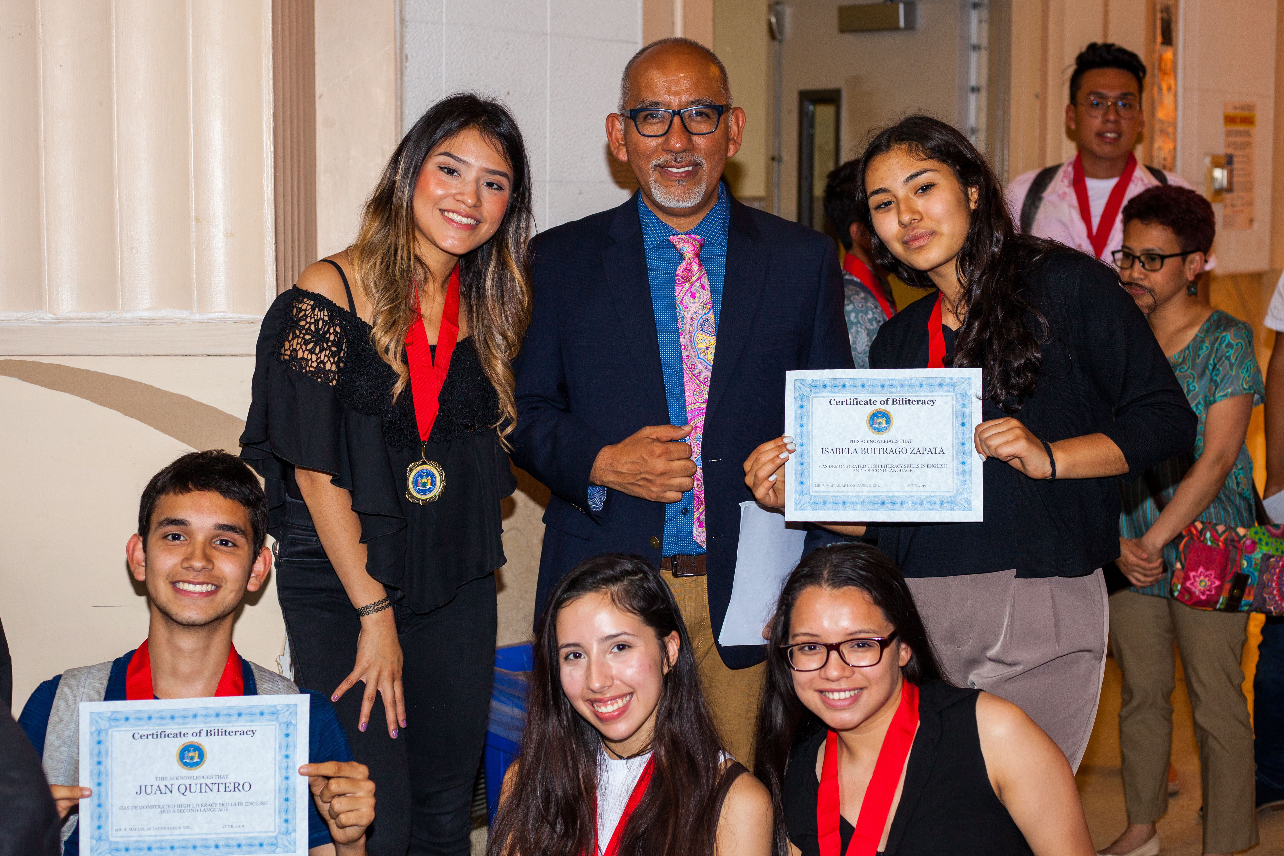 students receiving seal of biliteracy